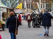 Zaterdagmarkt op de Brink in Deventer te druk: 'Kom niet meer naar de markt'