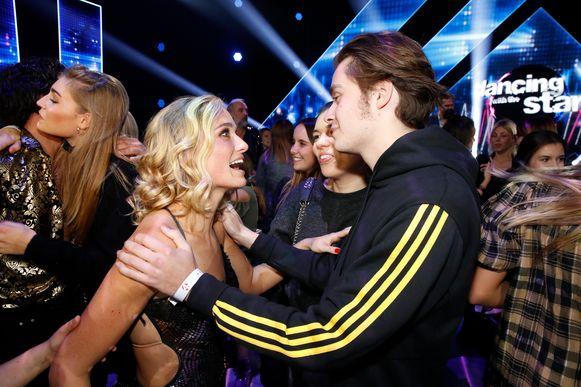 Van haar jongere broer Maxime kreeg ze meteen na haar overwinning felicitaties.