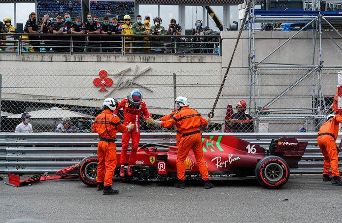 Charles Leclerc na zijn crash met de Ferrrari.