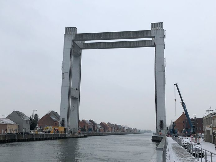 Humbeek moet het vier maanden stellen zonder brug.