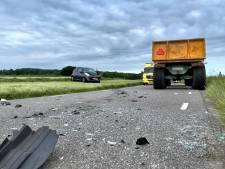 Automobiliste naar ziekenhuis na frontale botsing met trekker in Fleringen