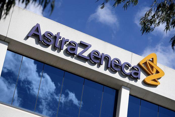 AstraZeneca komt mogelijk met het eerste coronavaccin.