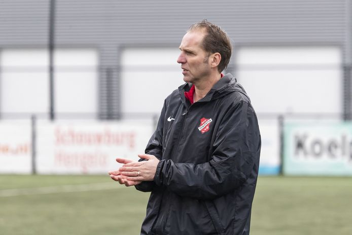 Eric van Zutphen als trainer van Tubantia.