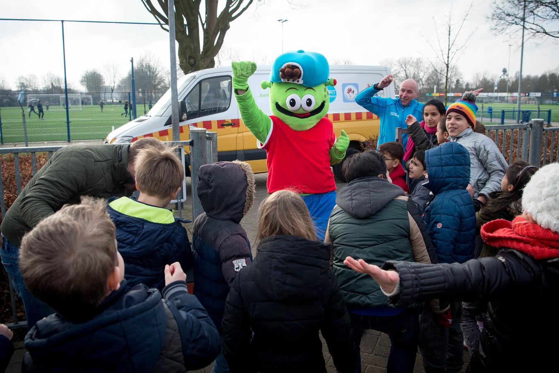 Sjors Sportief bezoekt vele basisscholen in het land.