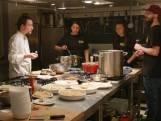Zorgboerderij kookt diner om vluchtelingen op Lesbos te helpen