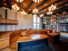 Raadszaal Hengelo tijdens renovatie met fluwelen handschoenen aangepakt