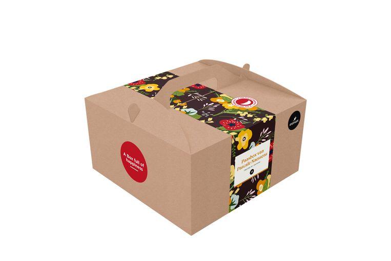 De alvast feestelijk verpakte paasbox van Pascale Naessens. Beeld RV