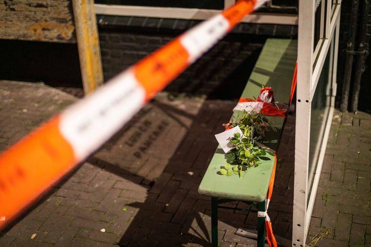 Bloemen bij de Lange Leidsedwarsstraat in Amsterdam. Beeld ANP