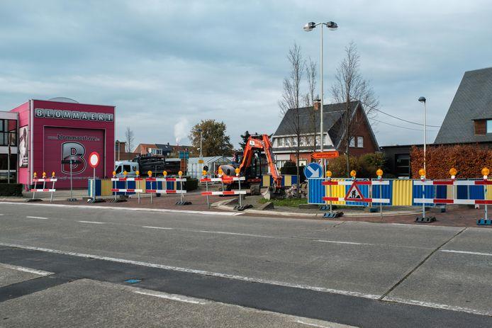 De werken in de Oudestraat die net begonnen zijn.