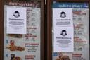 Waarschuwingen op de menulijst van fastfoodketen Wendy's.