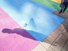 Kinderraad zorgt voor regenboogzebrapad in Zundert