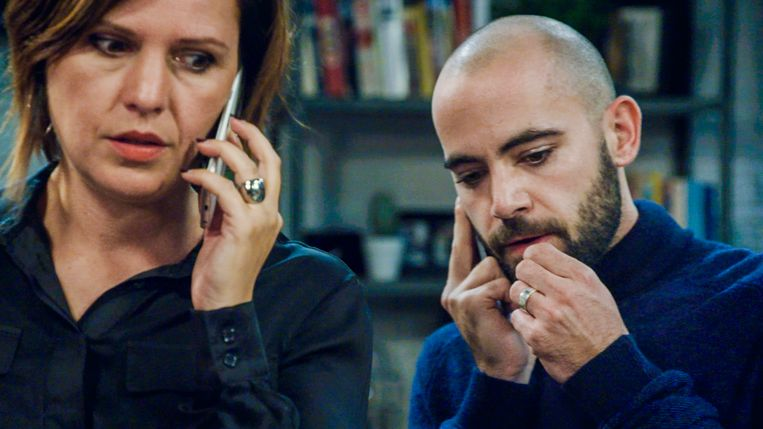 Mieke (Caroline Maes) en Niko (Jo Hens) kiezen dan toch voor adoptie.