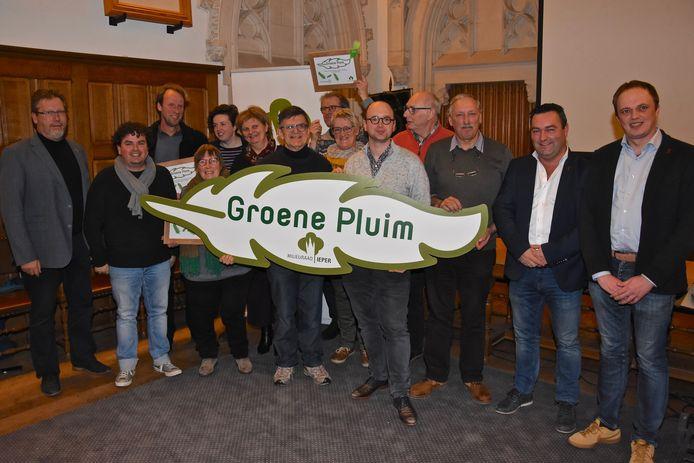 De winnaars van de Groene Pluim:  Kathleen Bevernage, Tuinsappen Lombarts Calville en Fietsersbond Ieper.