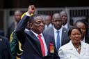 Kersvers Zimbabwaans president Emmerson Mnangagwa en zijn echtgenote Auxillia in het nationaal sportstadion in hoofdstad Harare.