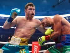 'Onverslaanbare' Alvarez brengt Saunders vernietigende nederlaag toe