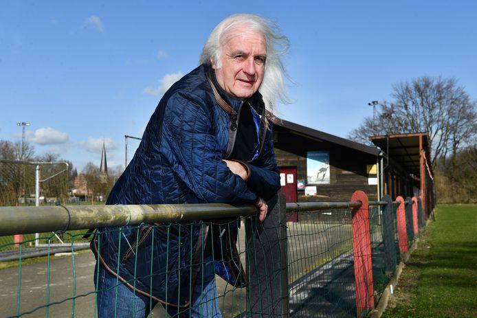 Voorzitter René Debehets (KVK Hingene) maakt zich sterk dat er nog steeds een toekomst is voor zijn club.