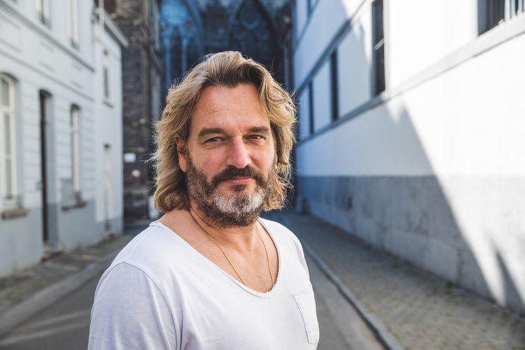 Kurt Burgelman, Gentenaar, zanger, entertainer en 'ambetante mens'.