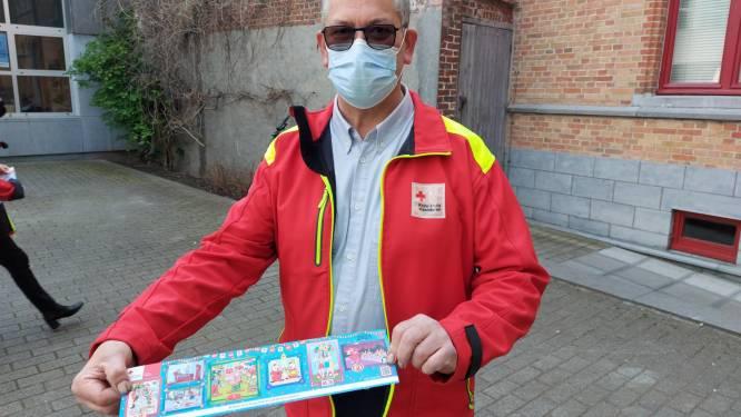 """Rode Kruis Lokeren start opnieuw met stickerverkoop: """"Niet op kruispunten maar wel vaste verkoopplaatsen en online"""""""