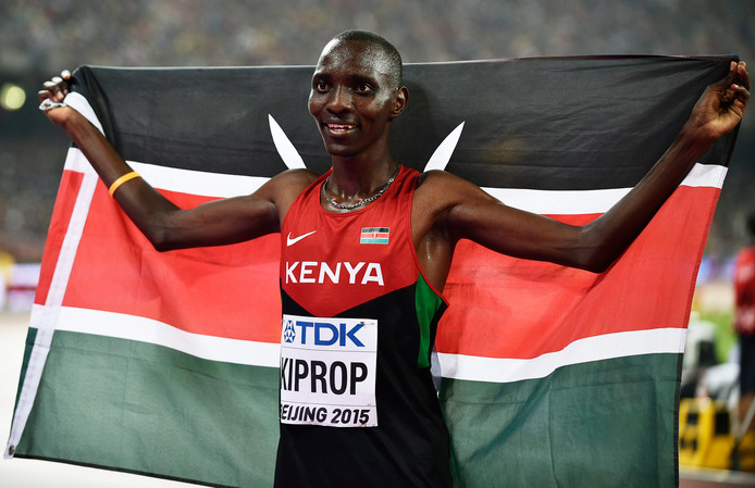Asbel Kiprop als winnaar van de 1500 meter op het WK van 2015.