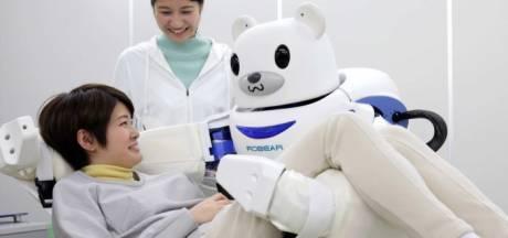 Robots waken in Japan over kinderen en brengen ouderen naar het toilet