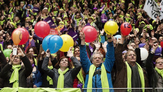 Leraren en leraressen uit het basisonderwijs vorige week in de Amsterdamse Arena voor het protest van de onderwijsbonden tegen de voorgenomen bezuinigingen in het passend onderwijs.