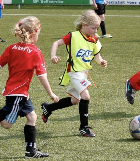 NEO Borne wil scoren met meidenvoetbal