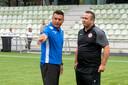 Dennis en Jhon van Beukering tegenover elkaar: als toenmalig trainers van Vitesse Onder 19 en MASV.