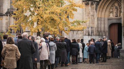 Bomvolle kerk neemt afscheid van Roland Demal, de papa van Axelle Red