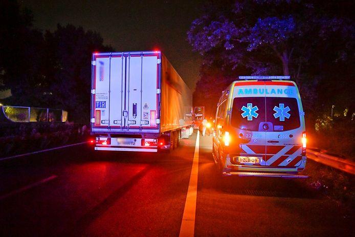 Voetganger ernstig gewond na aanrijding op de snelweg.