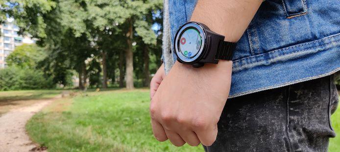 Het slimme horloge met navigatie, tracker en paniekknop waarmee mensen met ernstige psychiatrische aandoeningen niet meer vermist kunnen raken zonder ze te kunnen traceren.