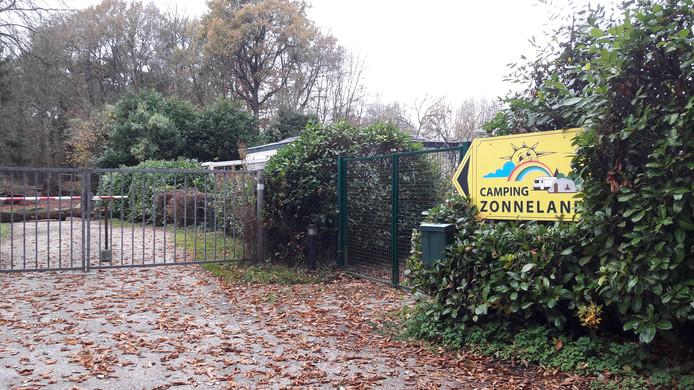 De ingang van Camping Zonneland. In de winter gesloten.