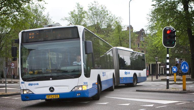 Adviezen van de Reizigersbelangenraad om de 'ommetjes' van bus 21 en 62 niet te schrappen, werden genegeerd, zegt voorzitter Chris Vonk. Beeld Floris Lok