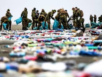 Al 1,2 miljoen kilo afval van overboord geslagen containers opgeruimd op Nederlandse stranden