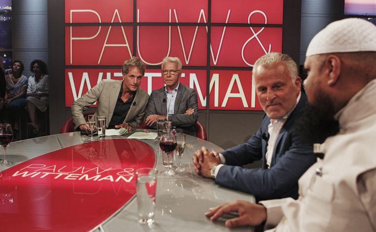 Aan tafel als gast in het tv-programma Pauw & Witteman. Beeld Brunopress
