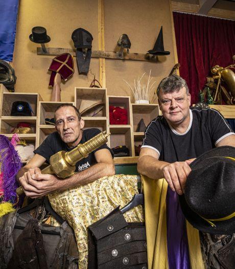 Hydra Theater viert jubileum met 'Dreeduuster': Het verhaal van de Tubanten, afgepeld tot de kern