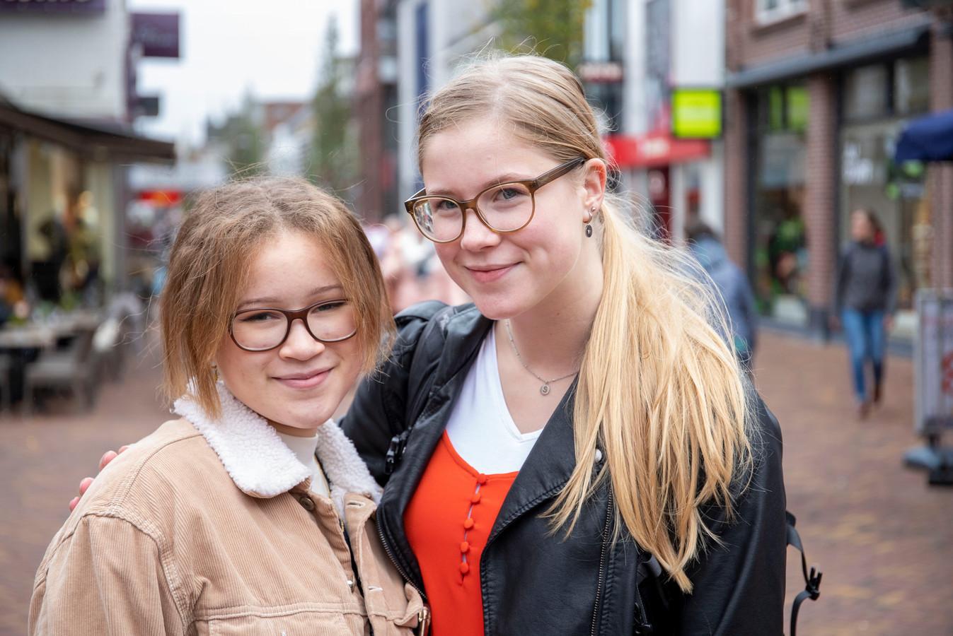 Sarah Kuipers (rechts) en Isabella de Man.