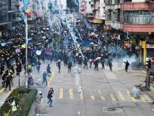 Demonstranten opnieuw de straat op in Hongkong: politie zet traangas in