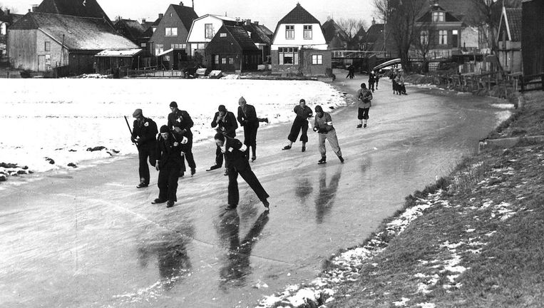 De Elfestedentocht van 1942 Beeld anp
