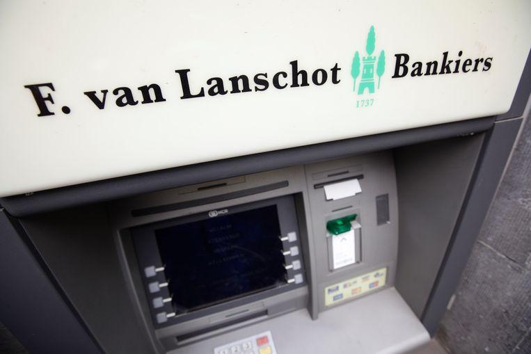 Geldautomaat van de Van Lanschot Bank in Amsterdam. Beeld anp