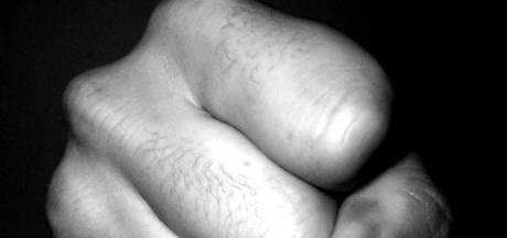 Na haar stalkende ex is nu haar huidige vriend (40) veroordeeld