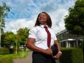 Faith werd op haar 18e al piloot, maar verloor deze droombaan: 'Bid elke dag dat ik weer mag vliegen'