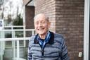 René buiten aan zijn flatje in woonleef-concept Trimant in Velm