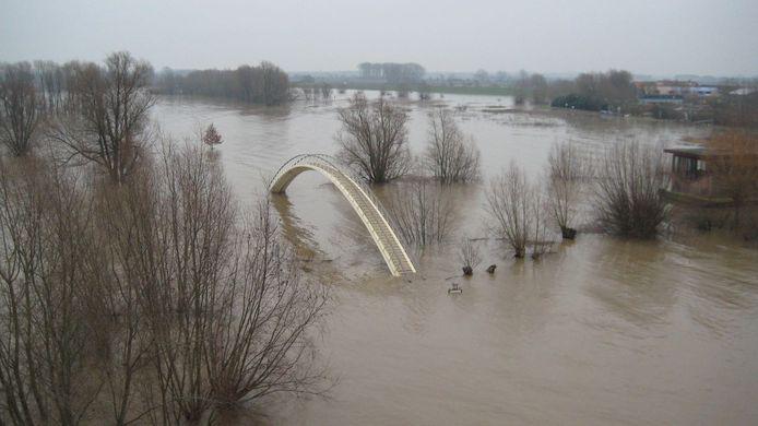 Vanaf de Waalbrug in Nijmegen schoot Ad deze foto.