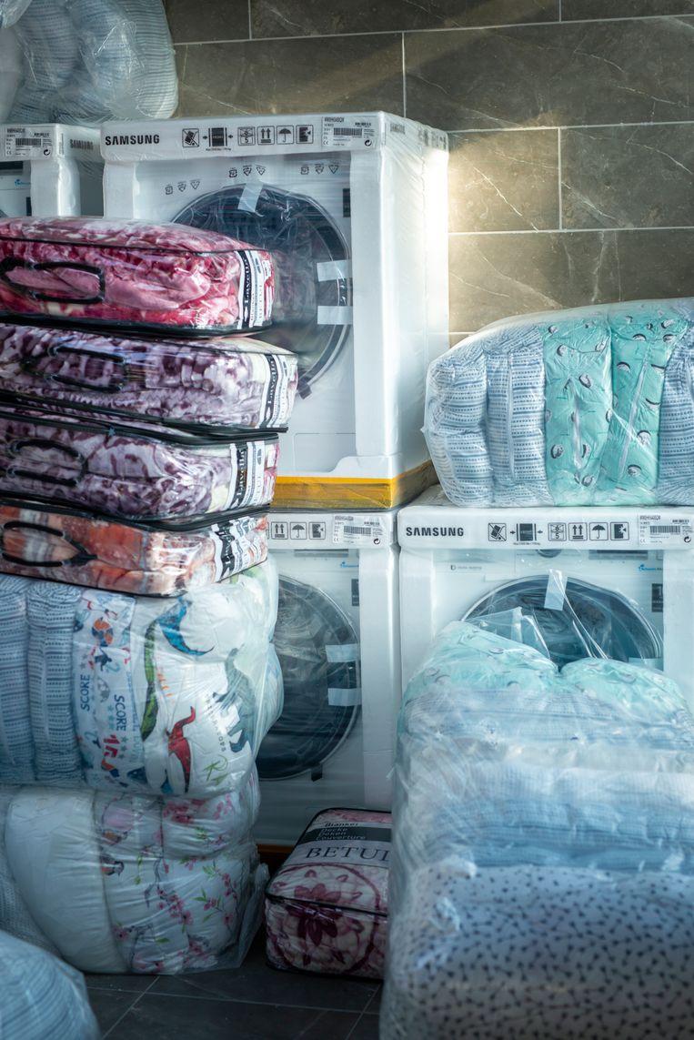 De wasmachines in Shaker Centre staan al klaar voor de verkoop. Beeld Linelle Deunk
