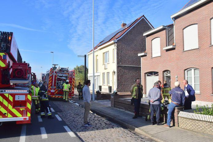 De brandweer repte zich naar de Menenstraat in Wevelgem.
