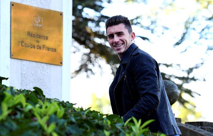 Aymeric Laporte arriveert in oktober 2016 met een grote glimlach in Clairefontaine, maar tot een debuut in de nationale ploeg van Frankrijk zou het niet komen.