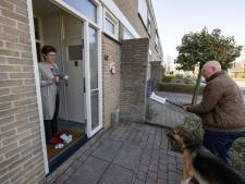 Burgemeester brengt gratis deurbellen met Kamper tune rond
