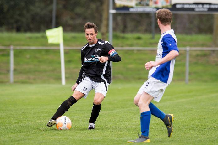Fabian Harperink (links) en Sam Haarhuis: oftewel KOSV versus Vasse. Straks ook in de Regio Cup tegenover elkaar?