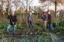 Hoeven, Moreno Molenaar/Pix4profs  Volkstuindersvereniging Hoeven moet volgend jaar de moestuinen aan de Bovendonksestraat weer opdoeken. Jan, Henk, Eli en Dik