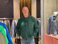 Gepensioneerde Gaston gaat zijn droom achterna: opent pop-up met gepimpte vintage kleren